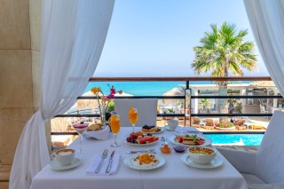 kohili restaurant delfino blu breakfast with sea view